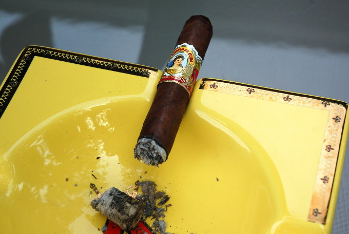 La Aroma De Cuba Second Third