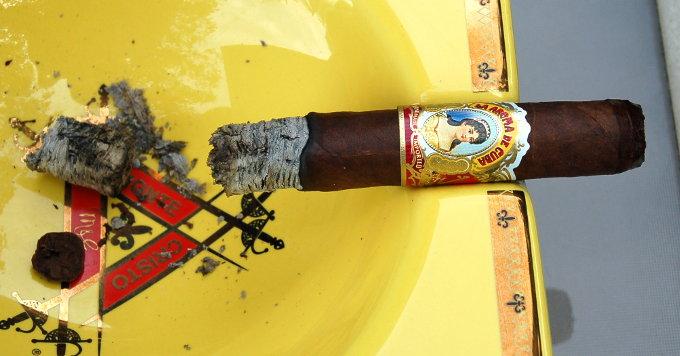 La Aroma De Cuba Half Way
