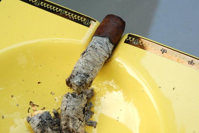 La Aroma De Cuba Long Ash