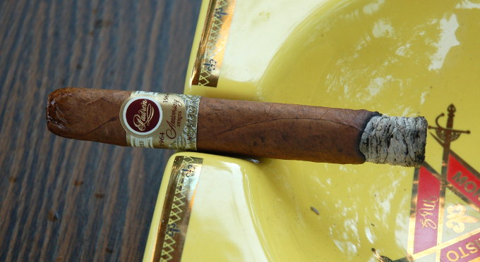Padron 1964 Anniversary Series Exclusivo Natural First 10 Minutes
