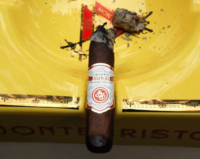 Rocky Patel Sun Grown Maduro Half Way