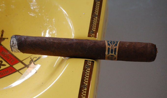 Drew Estate Liga Privada Undercrown First 10 Minutes