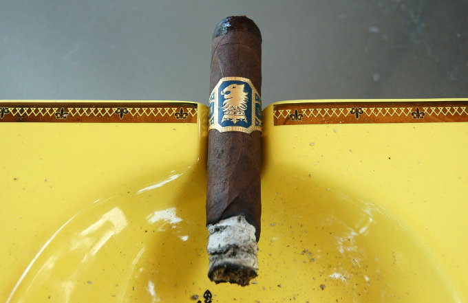 Drew Estate Liga Privada Undercrown Half Way