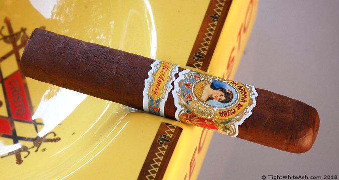 La Aroma de Cuba Mi Amor in an Ash Tray