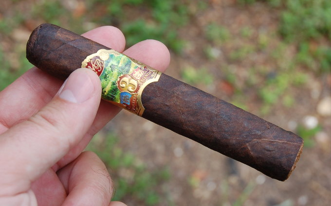Oliva Master Blends 3 in Hand