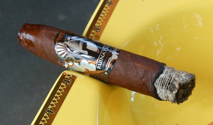 Man O' War Ruination Cigar First 10 Minutes