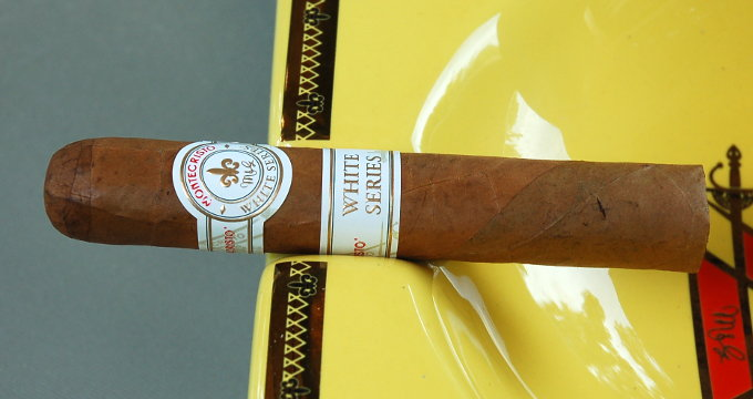 Montecristo White Series in an Ash Tray