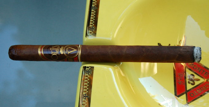 Oliva Serie V Lancero First Light