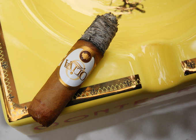 Oliva Connecticut Reserve Robusto Final Third